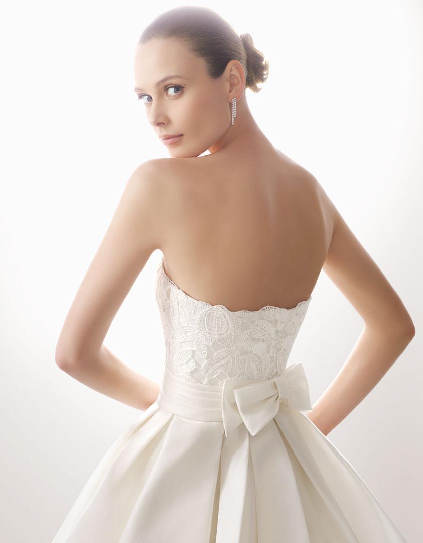 Robe de mari e noeud dans le dos mademoiselle sweet for La conservation de robe de mariage de noeud