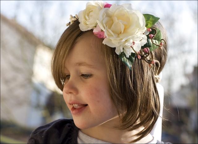 accessoires-coiffure-couronne-de-fleurs-pour-enfant-dou-1252575-nuage-colore-co-1-5-b93a7_big