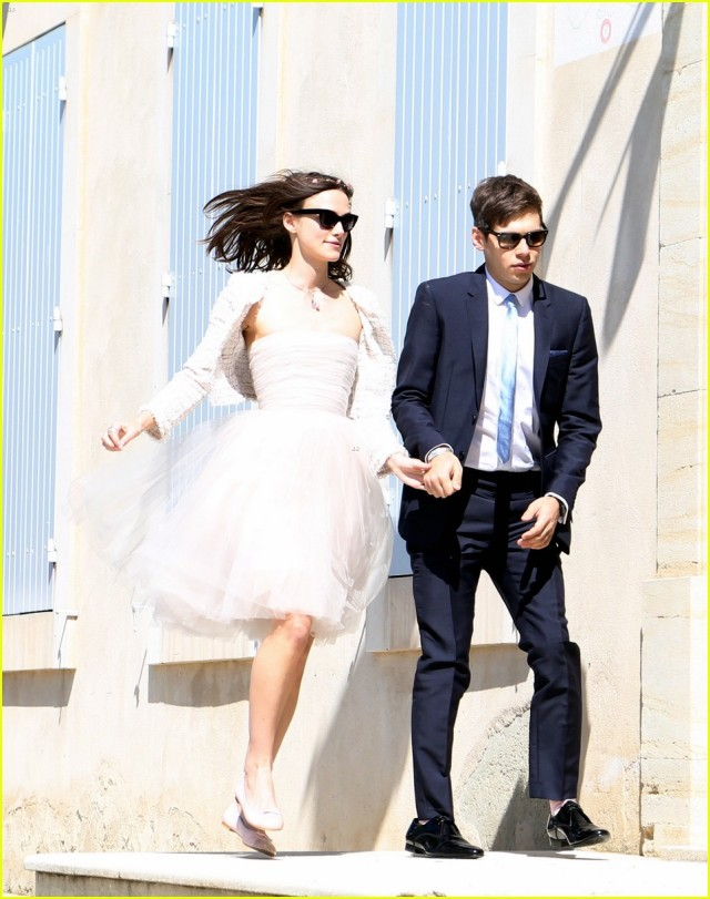 keira-knightley-wedding-photo-with-james-righton-02