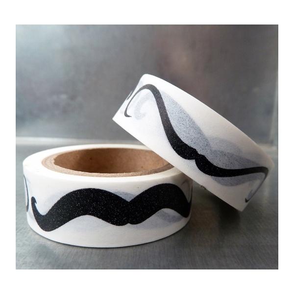 solo-moustaches-noires-fond-blanc