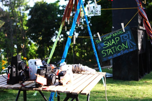 Snap-station-as-alternative-to-photobooth-with-polaroids-and-analog-cameras